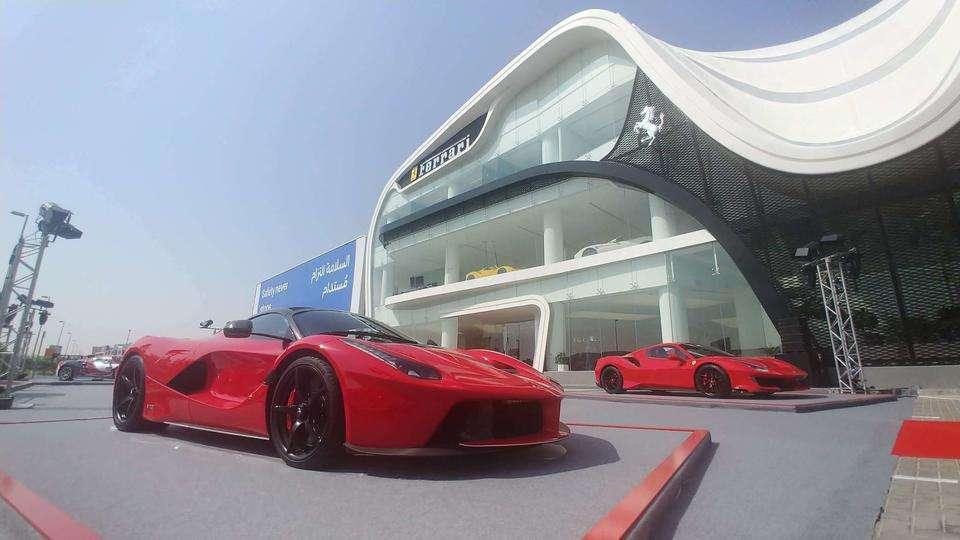 dubai showrooms showroom tayer