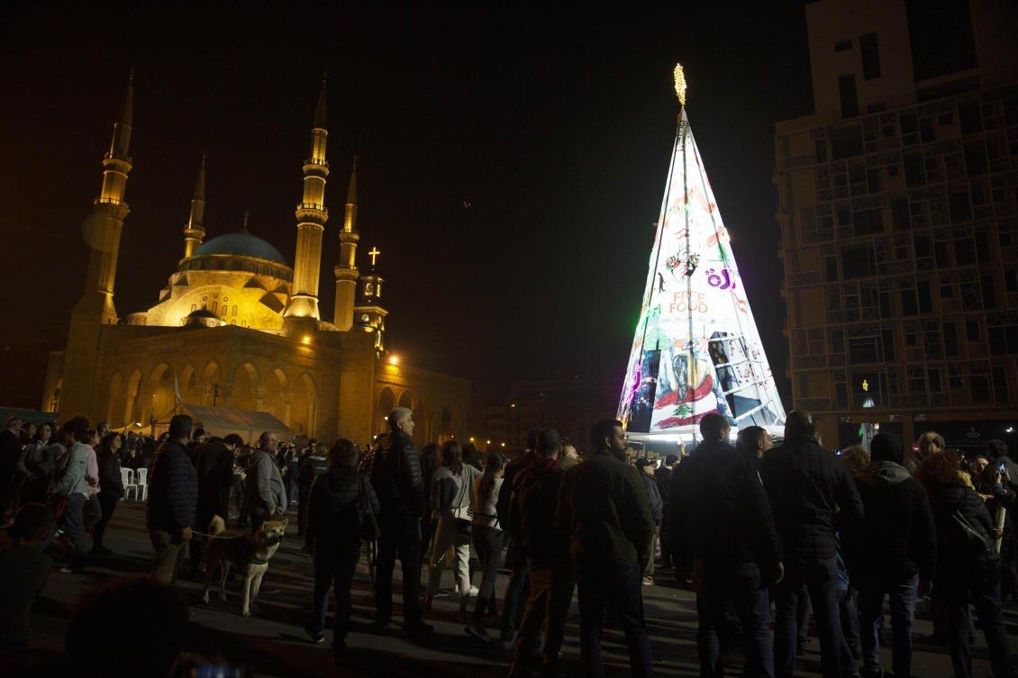 lebanon crisis bites economic customers