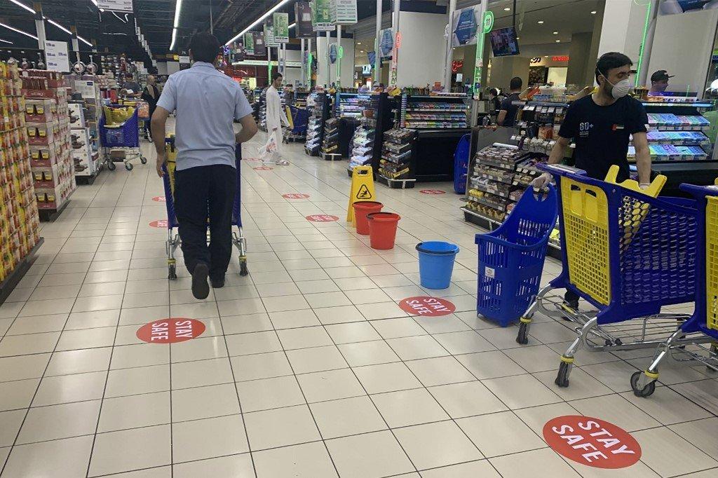 uae coronavirus shopping malls precaution
