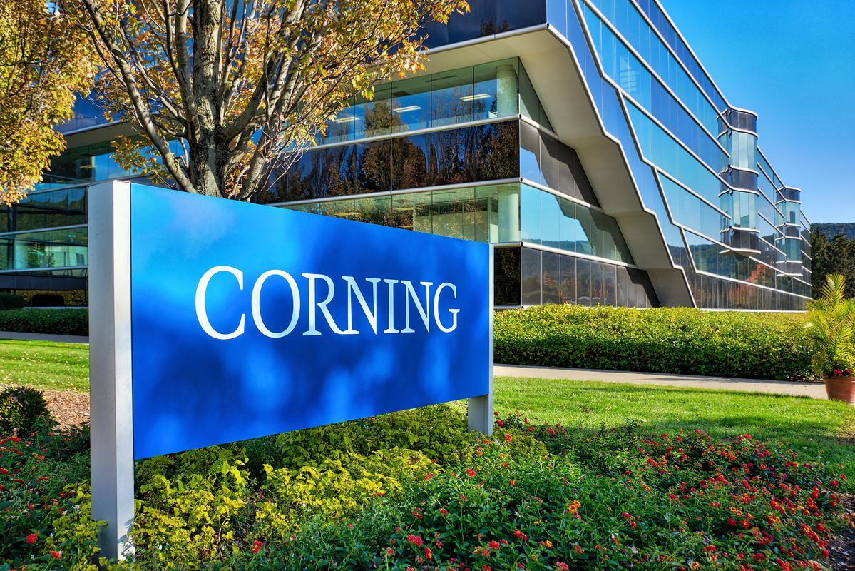 crisis covid stock corning vis