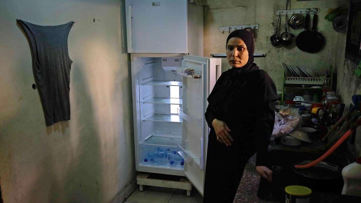 lebanon economic empty impact fridges